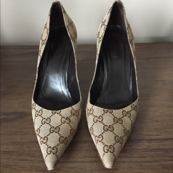 Gucci Gg Canvas Pointed Toe Pumps